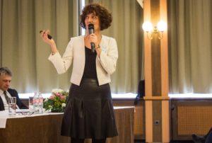Dr. Hadházi Éva, PhD: Az Anya-magzat Kapcsolatanalízis jellegzetességei a szakember szemével - beszámoló, egy hazai és külföldi kapcsolatanalitikusok tapasztalatait feltáró kérdőíves vizsgálatról